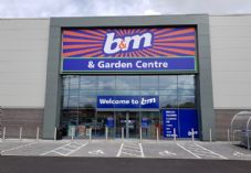 B&M Bargains and Garden Centre 725 x 500.jpg