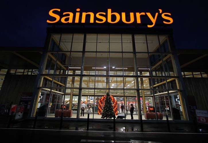 Sainsbury's King's Lynn - Christmas tree - 725 x 500