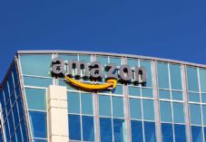 Amazon building - CREDIT REQUIRED - shutterstock_175315058 725 x 500
