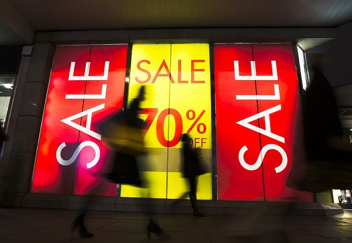 Sale signs - Shutterstock_371945593 - 725 x 500