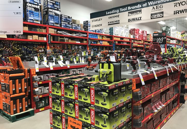 Bunnings tool department