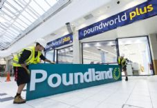 Poundland and Poundworld signs 725 x 500