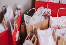 Christmas shopping gift bags 725 x 500.jpg