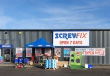 Screwfix-opens-its-third-Hull-store--scaled 725 x 500.jpg