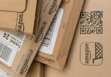 Amazon packaging - Kay Roxby - shutterstock_361433204 725 x 500.jpg
