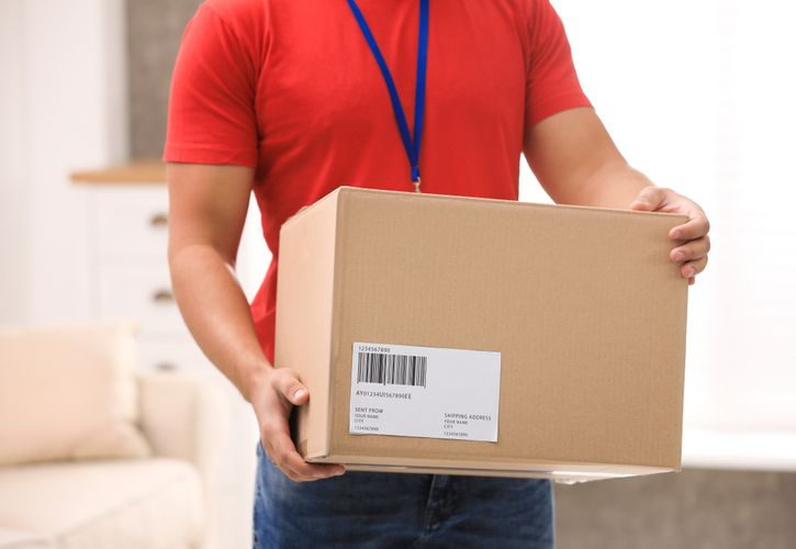 Courier delivery shutterstock_1491472862 725 x 500 (1).jpg