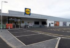 Lidl 100th London store Beckton.jpg