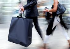 Shoppers large bag shutterstock_390805138.jpg