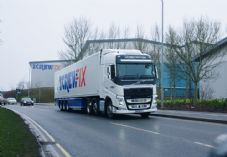 Screwfix lorry DC.jpg