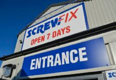 Screwfix Entrance Sign 725 x 500.jpg