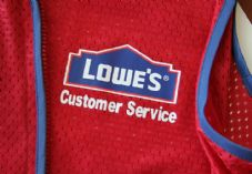 Lowe's Customer Service uniform 725 x 500