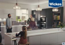 Wickes Housebarrassment video 725 x 500.jpg