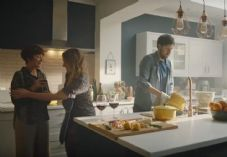 Wren Kitchens December 2019 advert.JPG